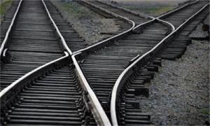 Индийски студенти загинаха под колелата на влак заради селфи