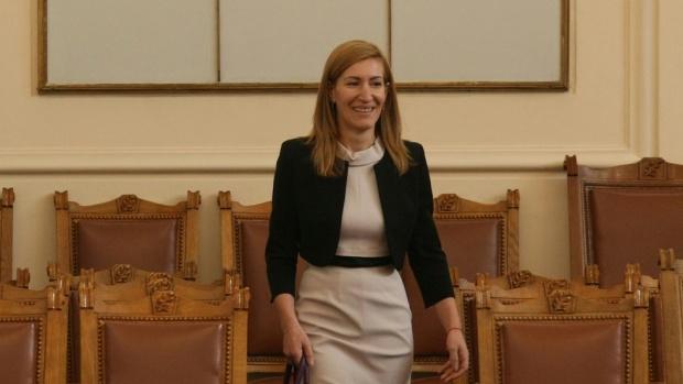 Ангелкова: Не виждам причина да подавам оставка