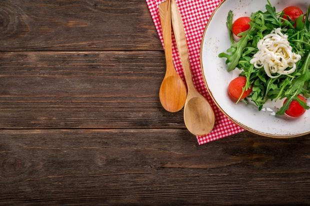 Как да усвоим по-добре витамините в салатата
