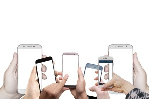 КЗП: Купувайте смартфони само от оторизирани търговци