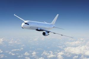 Самолет на китайска авиокомпания извърши аварийно кацане заради пътник, който