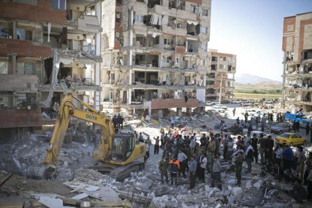 Без подслон са над 70 000 след земетресението в Иран
