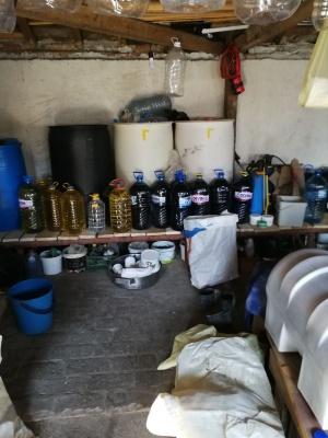 1 010 литра нелегален етилов алкохол в туби и бидони