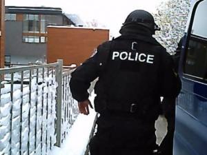 Специализирана полицейска операция по линия на активния криминален контингент се