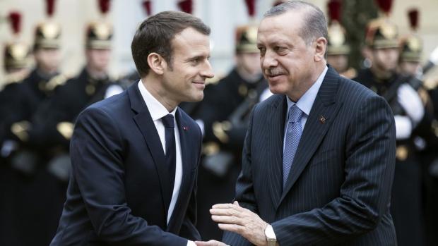 Протести посрещнаха Ердоган в Париж