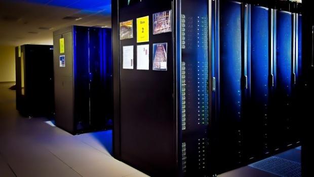 ЕК планира 1 млрд. евро инвестиции в суперкомпютри