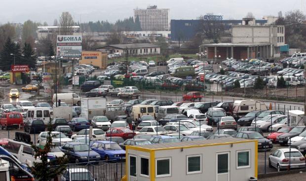 Жители на Горубляне блокират Околовръстното, не искат нов парк