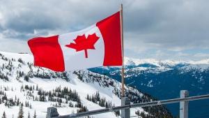 Канадапроменинационалниясихимн, за да е полово неутрален. Парламентът прие закон, според
