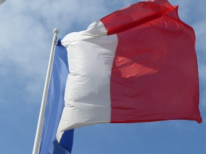 Две десетилетия, след като Париж отмени задължителната военна служба, тя