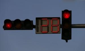 """200 кръстовища в столицата мигат с """"умни"""" светофари"""
