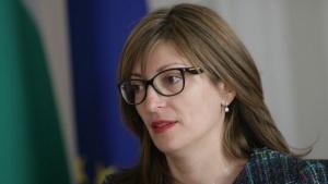 Истанбулската конвенция срина рейтинга на Екатерина Захариева