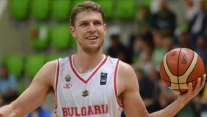 Лидерът на националния отбор по баскетбол Александър Везенков ще може