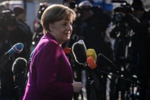 Ангела Меркелреши даназначи за министър в следващото си правителствоосновния сивътрешнопартиен