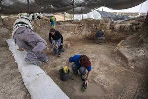 По време настроителството на метрото в Солунса извадени стотици хилядиархеологически