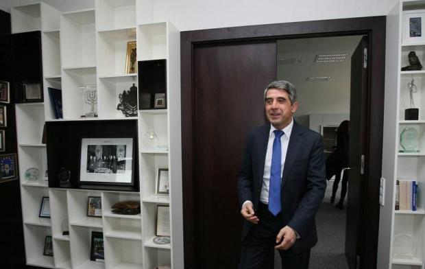 Разпитват Плевнелиев по делото срещу бившия военен министър