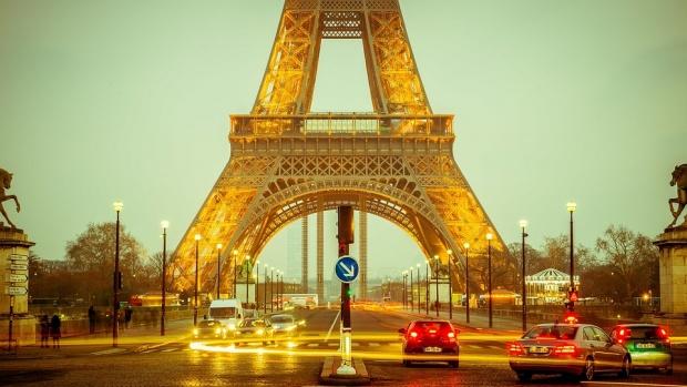 Париж с мобилни групи по чистотата