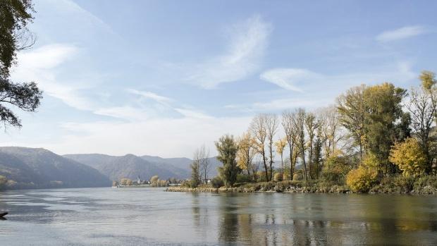 Нивото на река Дунав се се понижо