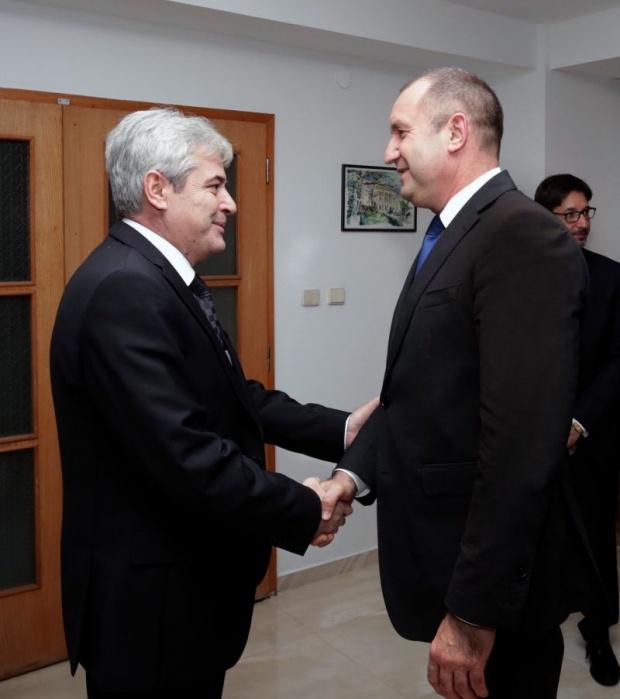 Радев: Нашата обща цел е възможно най-скоро да видим Македония в НАТО и ЕС
