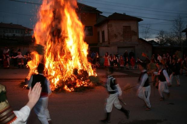 Сирни Заговезни: традиции и ритуали