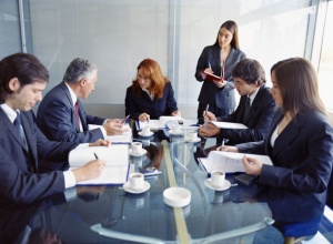 Безработникандидатстват за работа с чужда самоличностс цел да увеличат шансовете