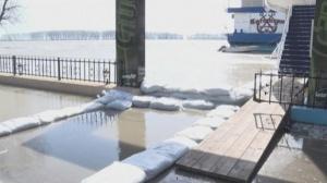 Нивото на река Дунав в Източна Румъния продължава да се