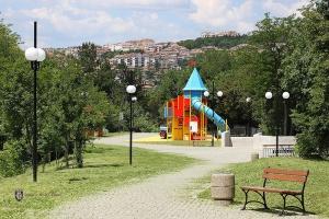 Велико Търново е сред петте български града, чието население се