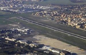 180 българи са блокирани на летище