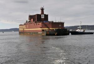 """Единственият в света плаващ ядрен енергоблок (ПЕБ) """"Академик Ломоносов"""" благополучно"""