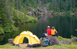 Щурмът на политиците срещу хората с палатки има две причини,
