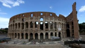 Всърцето на Рим, на фона на Колизеумa, ще се проведе