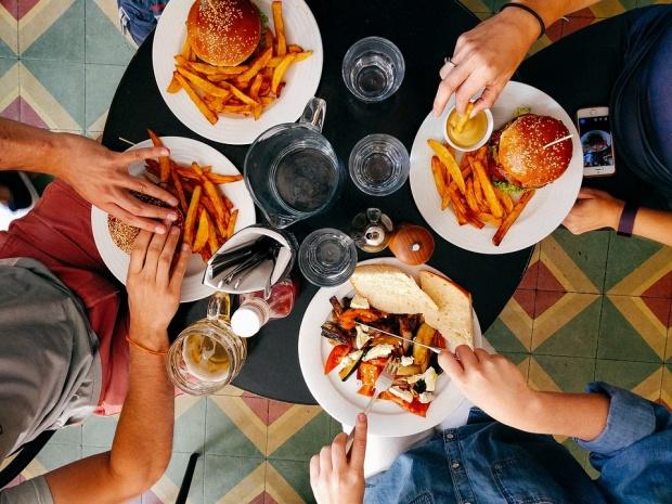 Днес диетите са забранени, можем да ядем всичко и да се наслаждаваме на живота