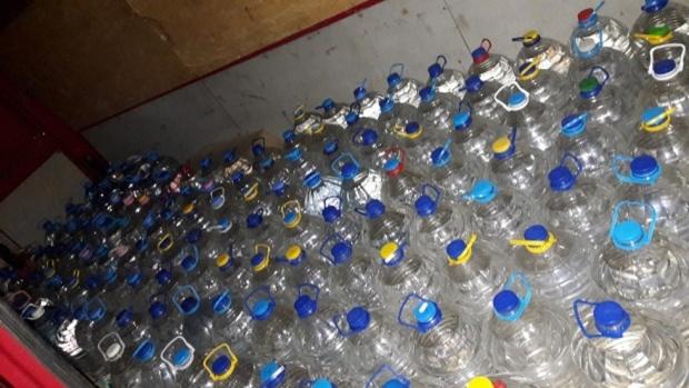 Задържаха  340 литра нелегален етилов алкохол