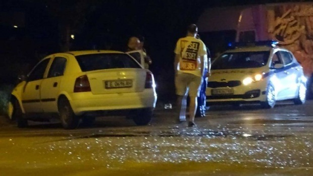 Преследван от МВР се спаси, след като друга кола нацели патрулката