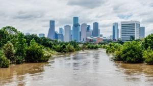 Само за 30 години заплахата от горещини, крайбрежни наводнения, сривове