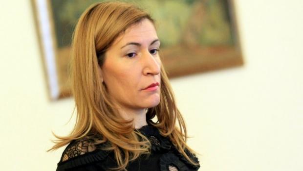 Ангелкова ще открие срещата на министрите с  ресор туризъм от страните-членки на ОЧИС