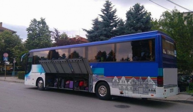 Протест спира междуградските автобуси за 90 минути днес