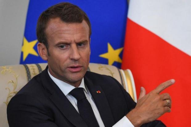 Италия все още чака извинение от Макрон