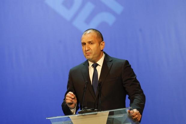 Радев към Иванов: Ще ви подкрепим за името, ако спазвате договора за добросъседство