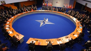НАТО ще продължи да наблюдава и оценява балистичните заплахи към