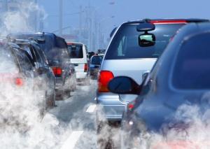 Българите масово карат коли втора употреба, близо половината от автопарка