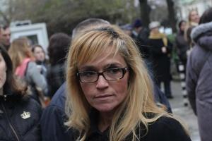 Десислава Иванчева ще съди държавата в Страсбург заради оковите, с