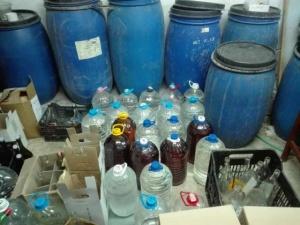 910 литра нелегален етилов алкохол иззеха служители от митническа мобилна