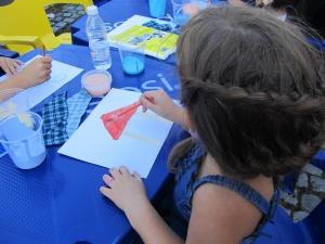 50 деца рисуваха върху платно на тема европейското културно наследство.