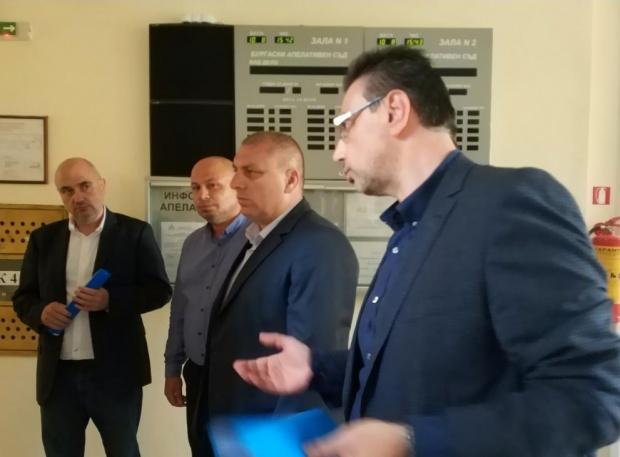Контрабандни цигари за близо 1 млн. лева са задържани на пристанище Бургас