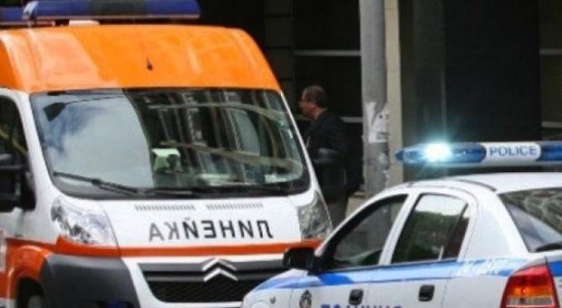 Линейка се заби челно в тролей в София