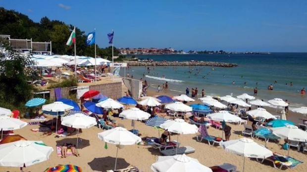 """13 български плажа са отличени със световния сертификат """"Син флаг"""" за тази година"""