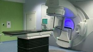 Онкоболна пациентка не може да бъде орперирана заради липса на направления за специалисти