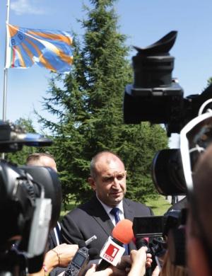 Президентът Румен Радев определи като парадоксално предложението за назначаване на