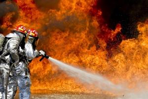 Продължава да бушува огнената стихия в района на ТЕЦ-Сливен. Пожарът
