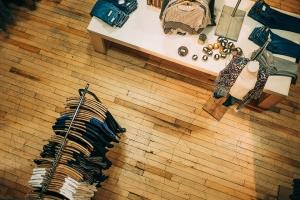 Почти половината българи са си купували дрехи втора употреба поне